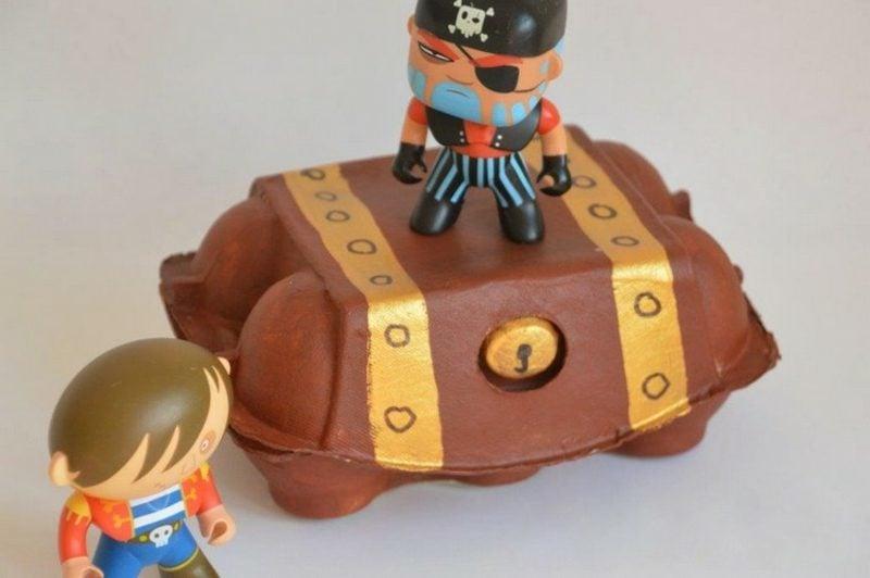 Schatzkiste basteln Eierkarton Piraten
