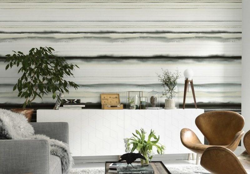 Wand gestalten Tapete Streifenmuster Wohnzimmer