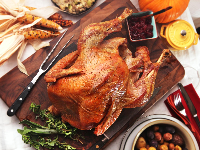 Zu guter Letzt erlaubt der Bräter, dass Sie ohne Fett saftig kochen, sodass das gesunde Abendessen für Weihnachten kein Mythos ist.