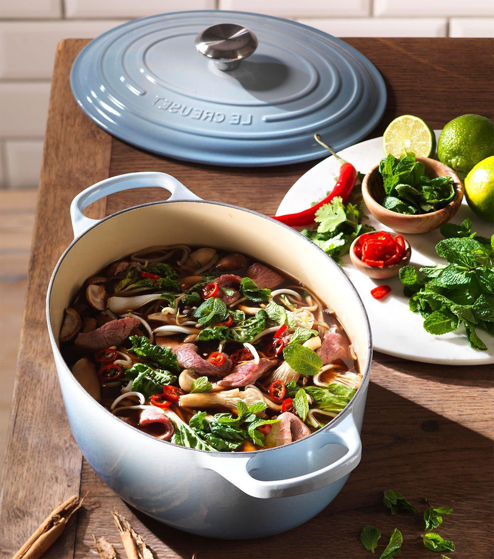 Gusseisen Bräter, Le Creuset Bräter, Edelstahl oder Aluguss Bräter - das sind die besten Alternativen für einen richtigen Braten-Geschmack.