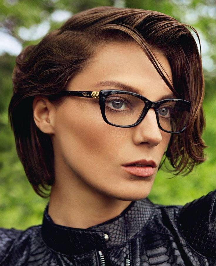 Freche Kurzhaarfrisuren für Brillenträgerinnen - Nicht nur nach den passenden Brillen sollten Sie suchen, sondern auch nach der passenden Kurzhaarfrisur!