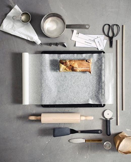 Bevor Sie mit dem Bau Ihrem Lebkuchen -Haus anfangen zu können, sollten Sie über diese Ausstattung verfügen
