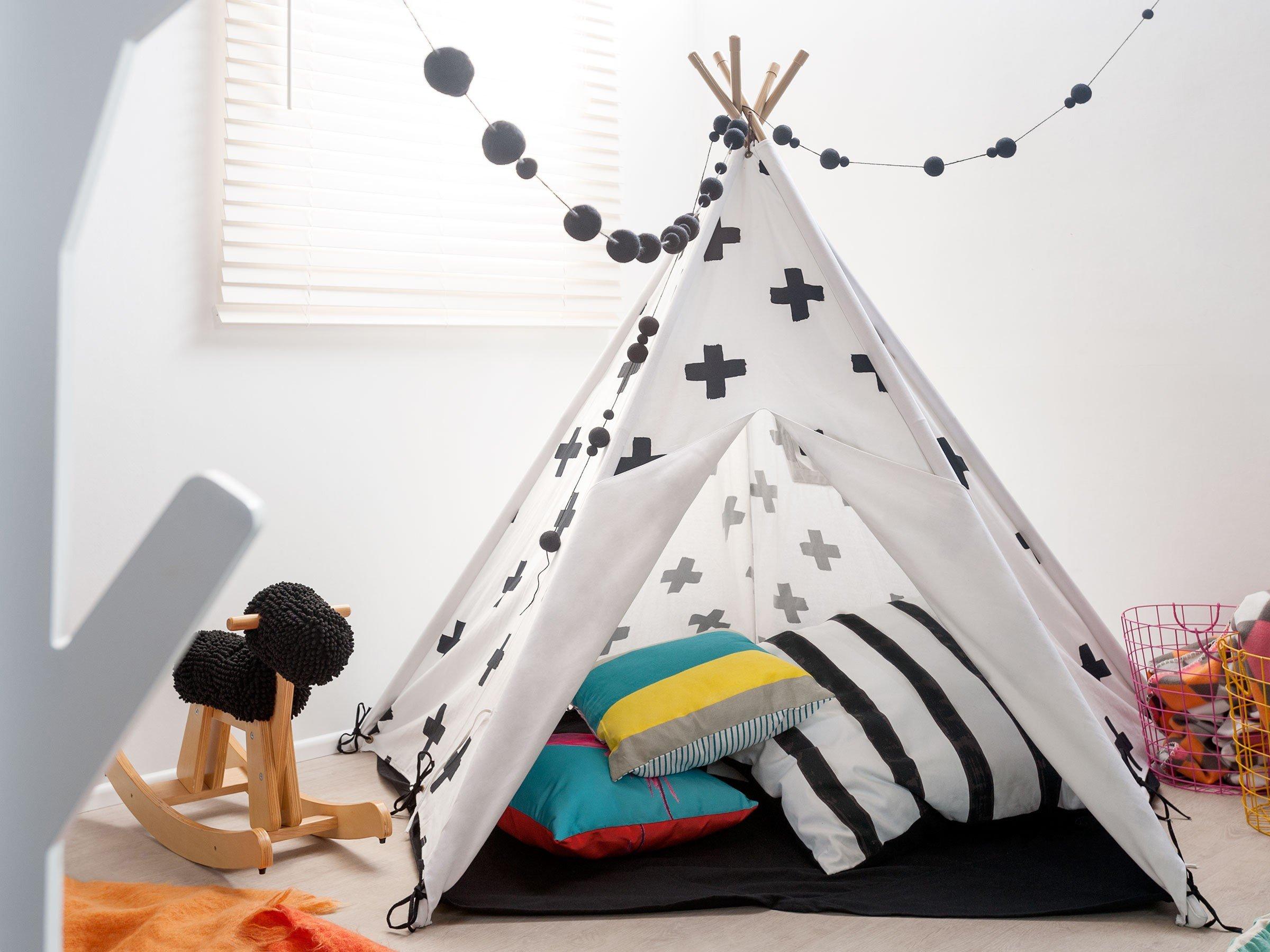 Der beste Spielplatz ist ein Tipi Zelt - Nähen Sie ein selber mit unseren Nähideen für Anfänger