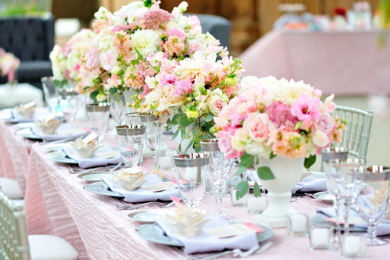 Trendy Hochzeit-Dekoration in Pastellfarben