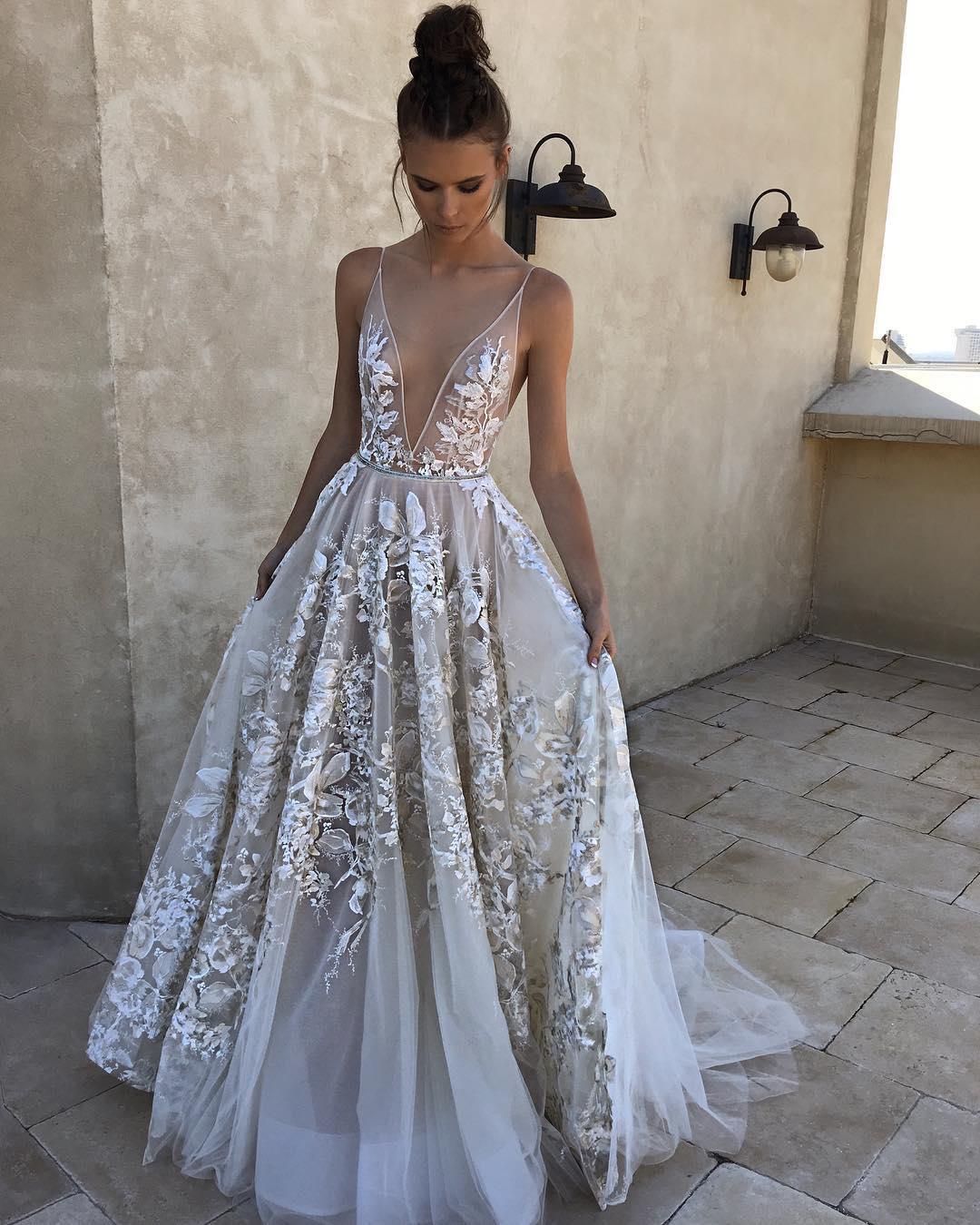 Das Traumkleid für Ihre Hochzeit ist in Pastellfarben