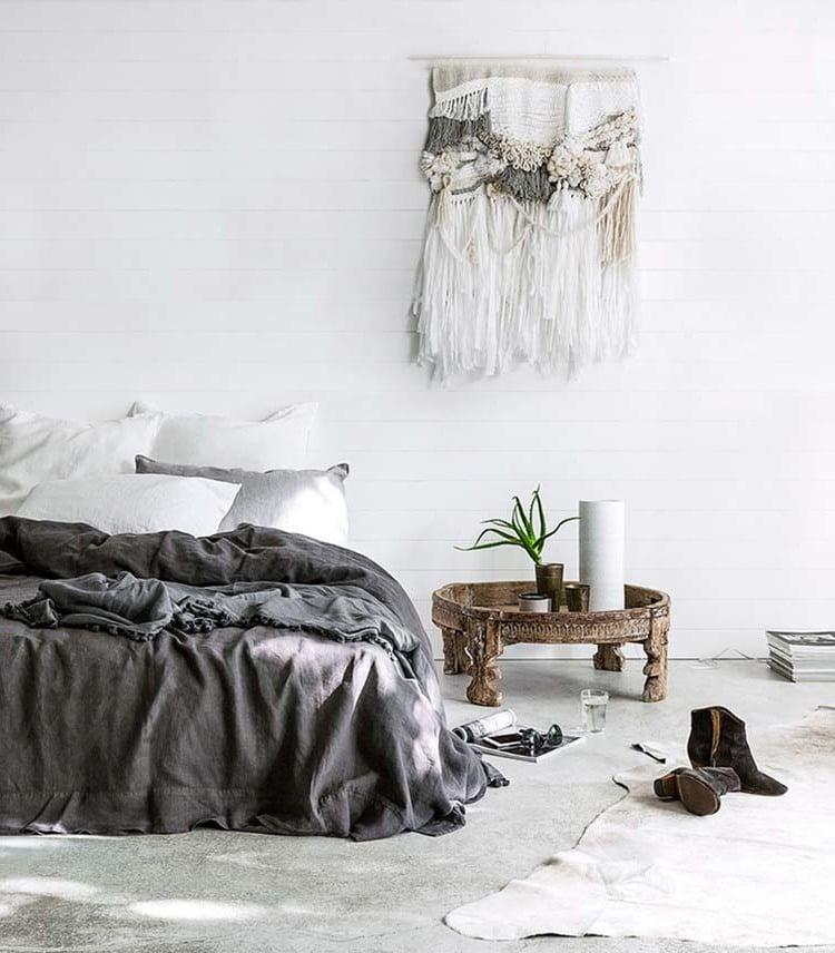 Schlafzimmer komplett mit Fell dekorieren
