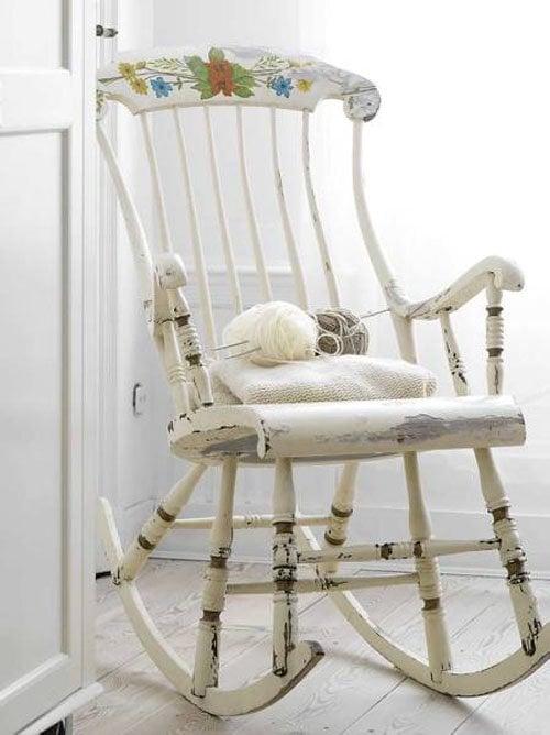 Sind Sie verliebt in diesen Stuhl in Shabby Style? Suchen Sie nicht nach einem Geschäft, machen Sie einen selbst!