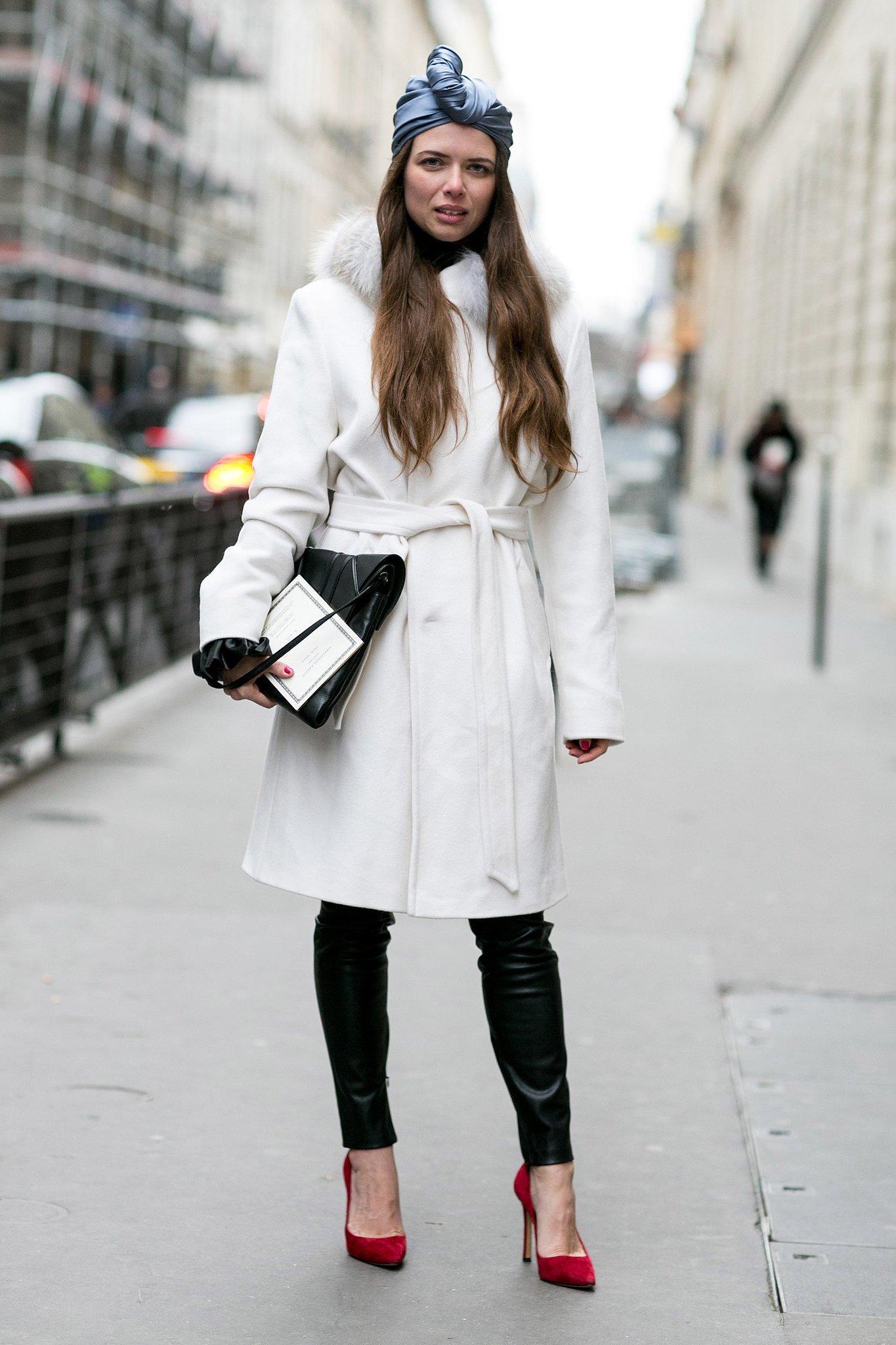 Peppen Sie Ihr Winter-Outfit mit der Turban Binden Anleitung auf.
