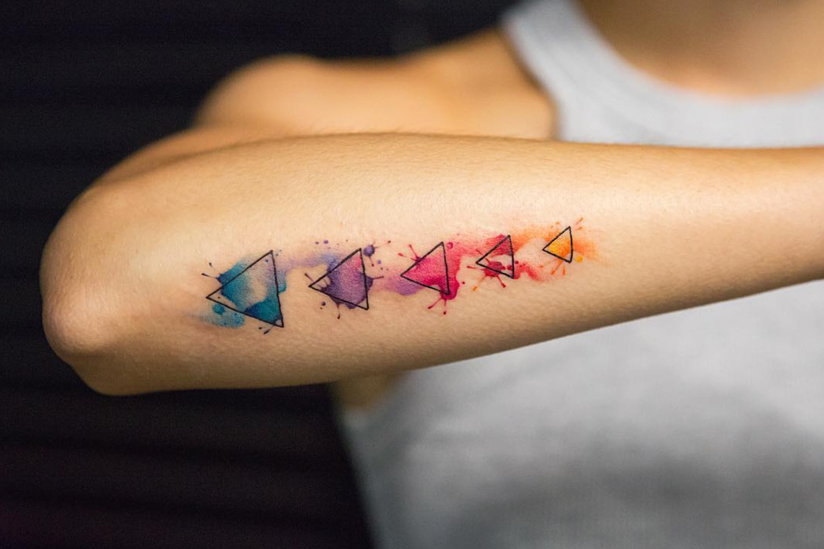 Aquarell Tattoo geometrische Figuren