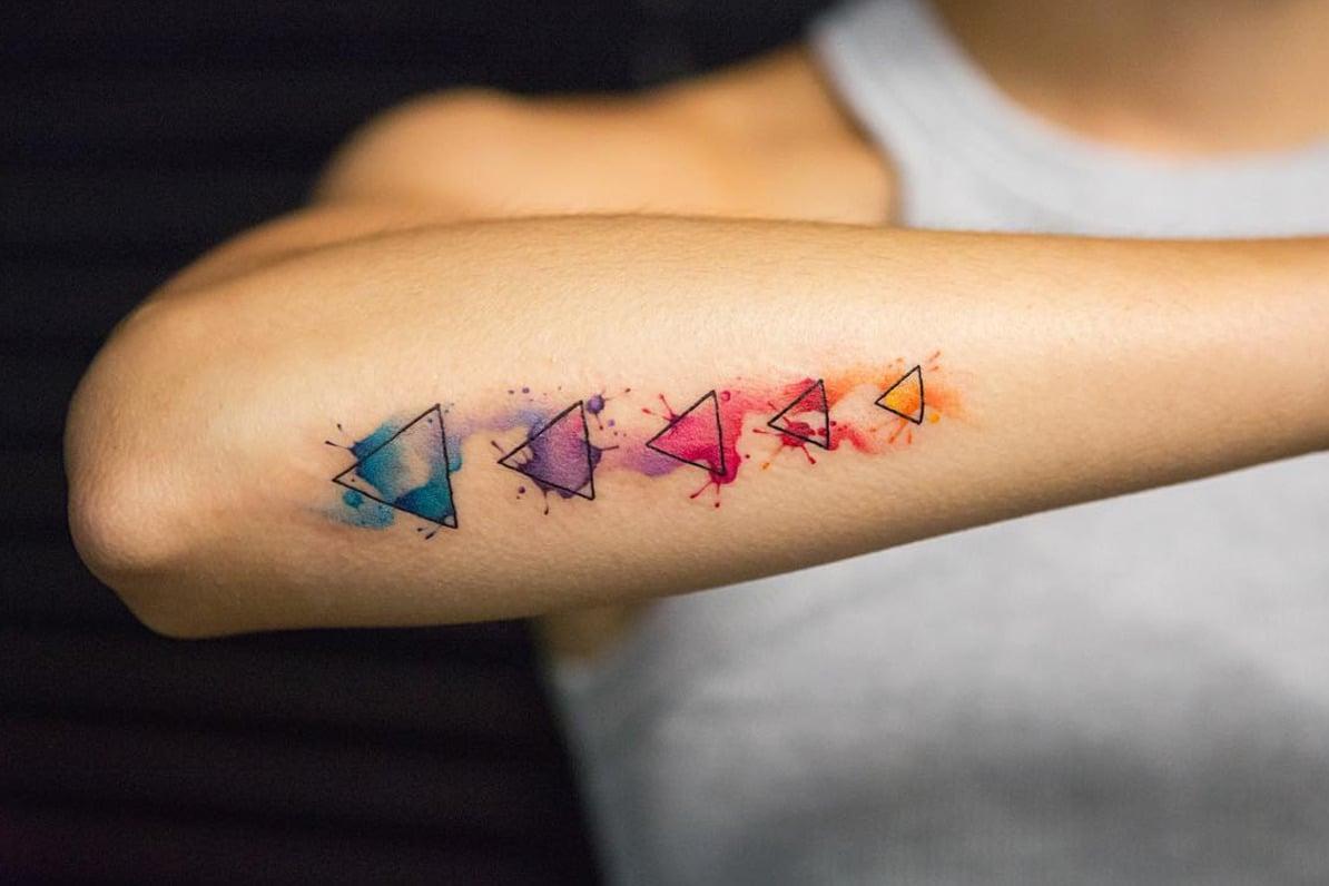 Aquarell Tattoo geometrische Figuren