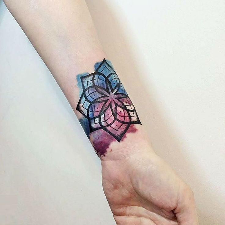 Watercolor Tattoo Handgelenk