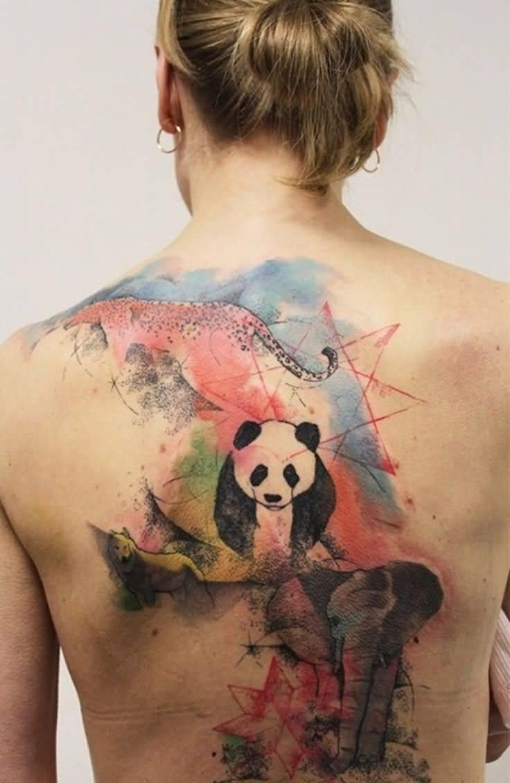 Ein Watercolor Tattoo auf dem ganzen Rucken