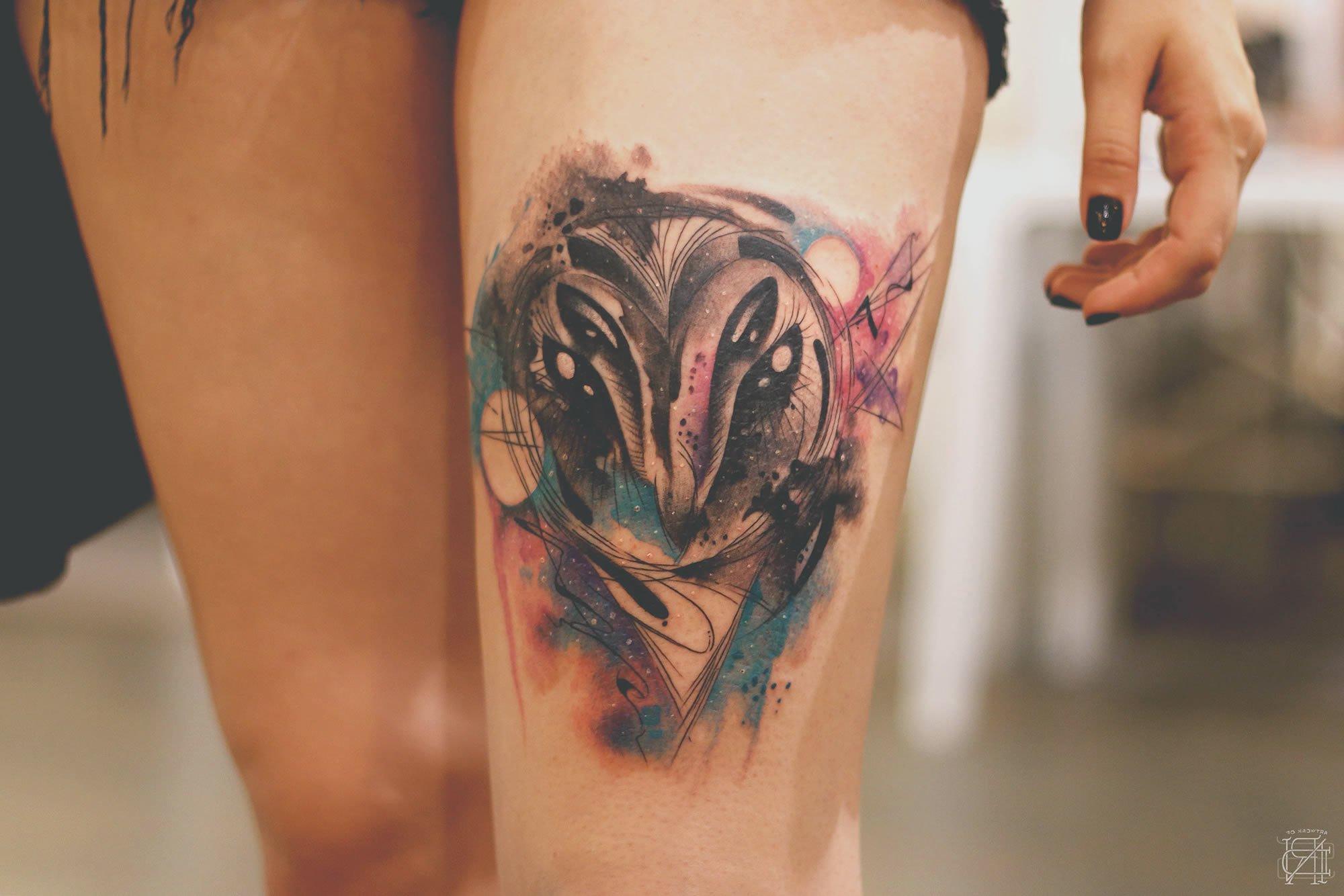 Watercolot Tattoo Bein
