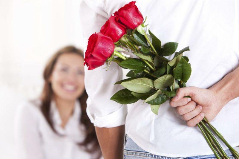 Blumenarten Valentinstag rote Rosen schenken