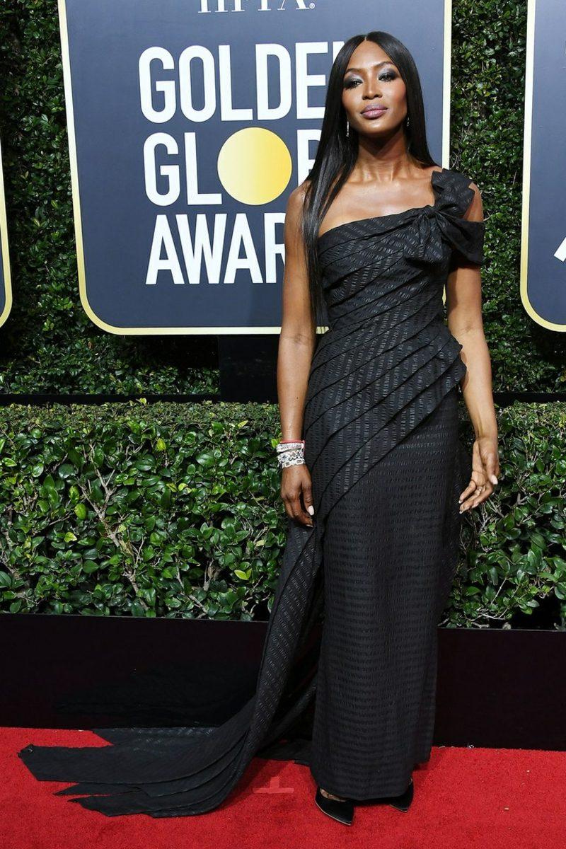 schwarze Kleider elegant Naomi Campbell