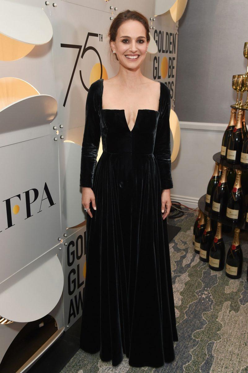 schwarze Kleider mit V Ausschnitt Natalie Portman