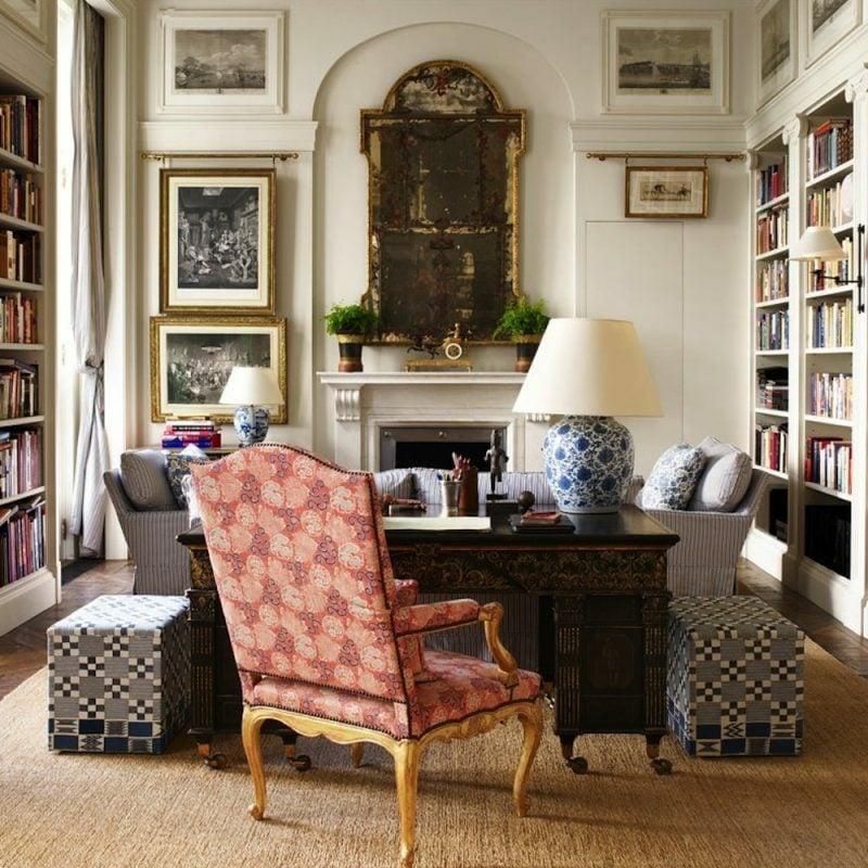 antike Möbel im Arbeitszimmer