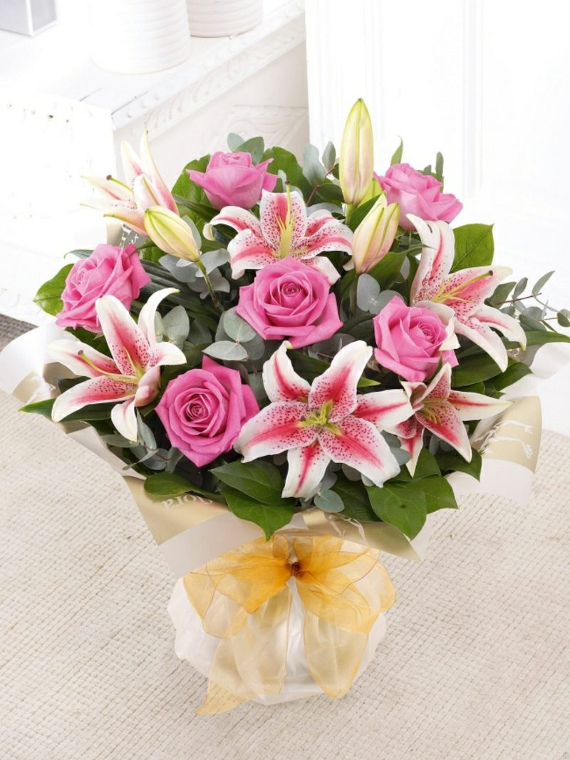 Blumenarten Valentinstag Lilien und Rosen
