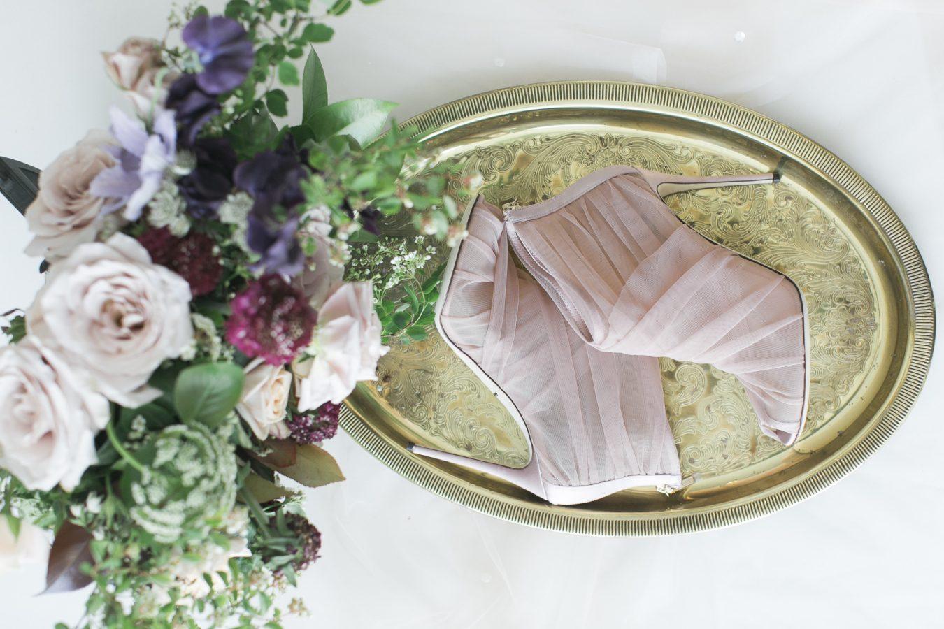Die richtigen Schuhe können Sie in eine echte Prinzessin für den Ball verwandeln! Die Brautschuhe sind Ihr eigener Weg zum Ball der Liebe!