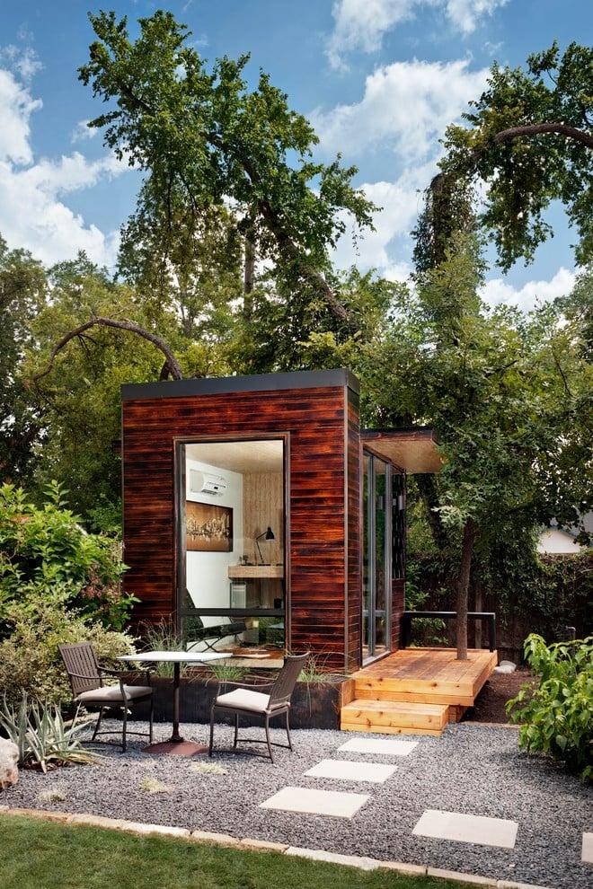 Holzhaus im Garten bauen oder kaufen?