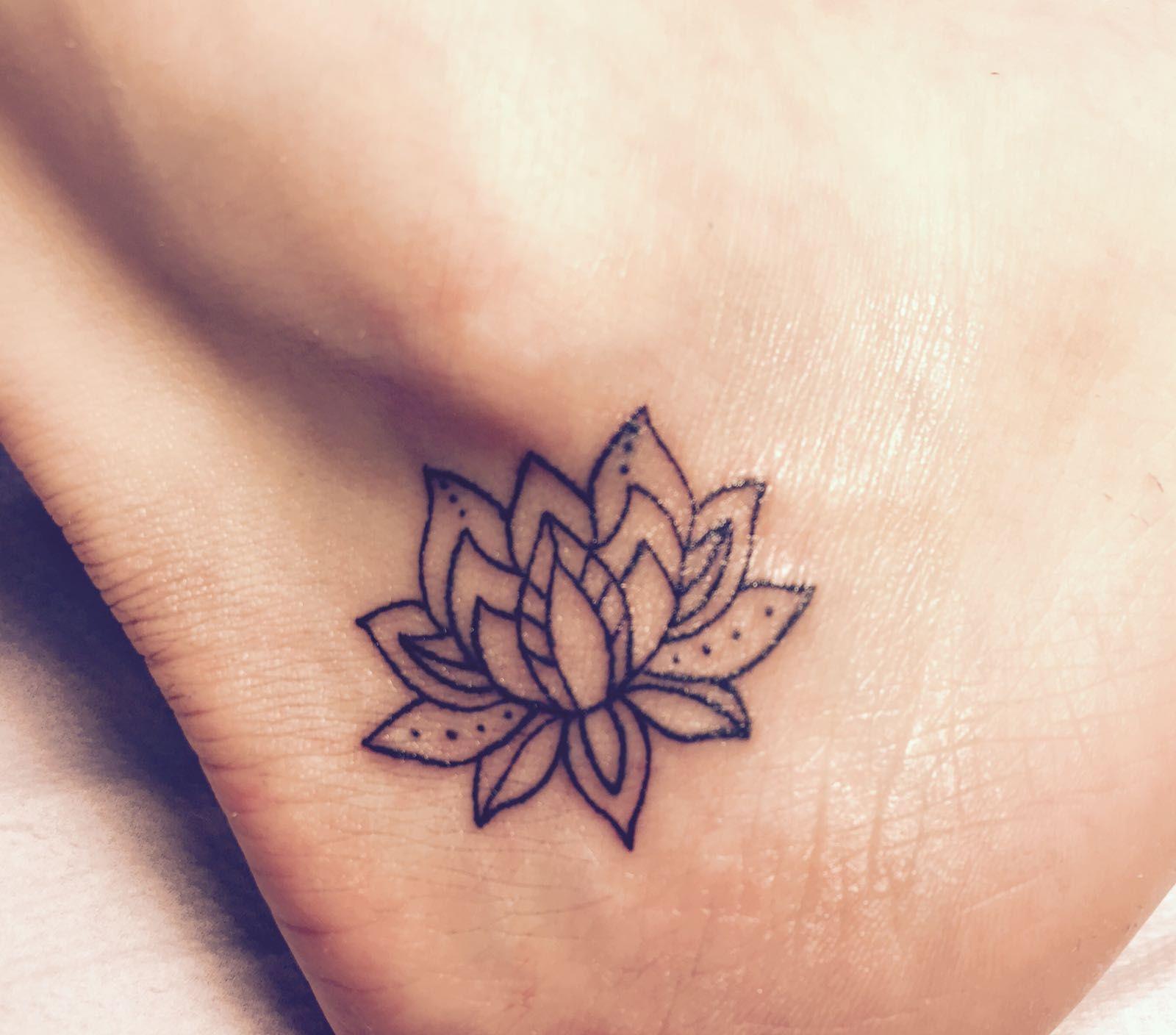 Mandala Lotusblume Tattoo