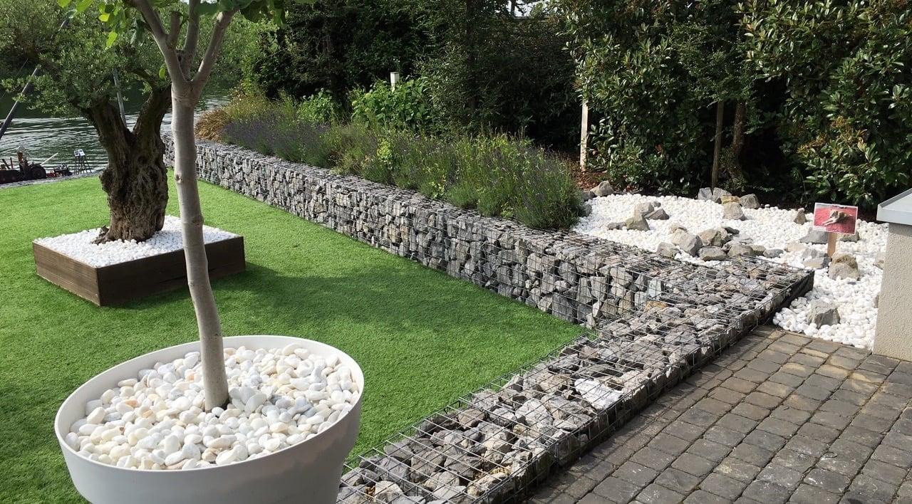 Betonen Sie die Gartenanlage mit Gabionen