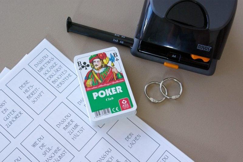 Valentinstag Geschenke selber machen tolle Idee mit Spielkarten
