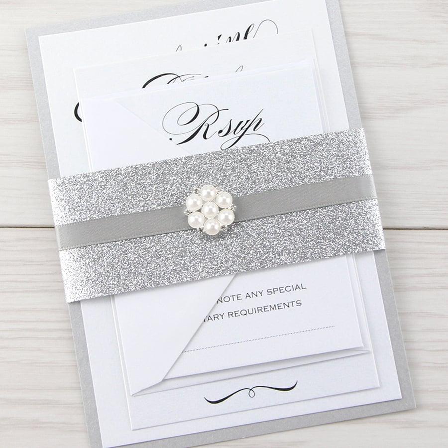 Schöne Schrift - Monogramm für Hochzeitseinladung