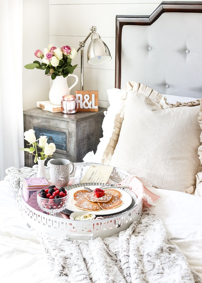 Frühstück im Bett - Valentinstag Geschenk
