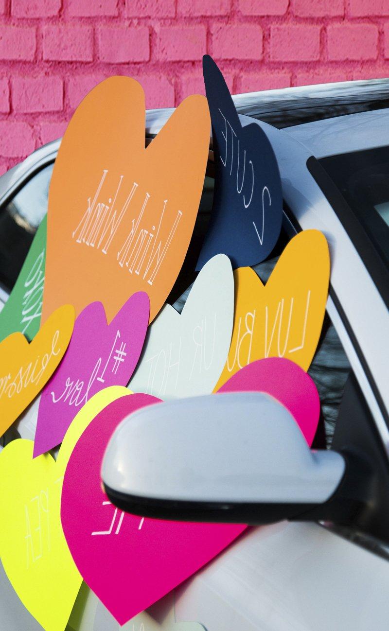 Tolle Idee für Valentinstag Überraschung - bekleben Sie Ihr Freundins Auto