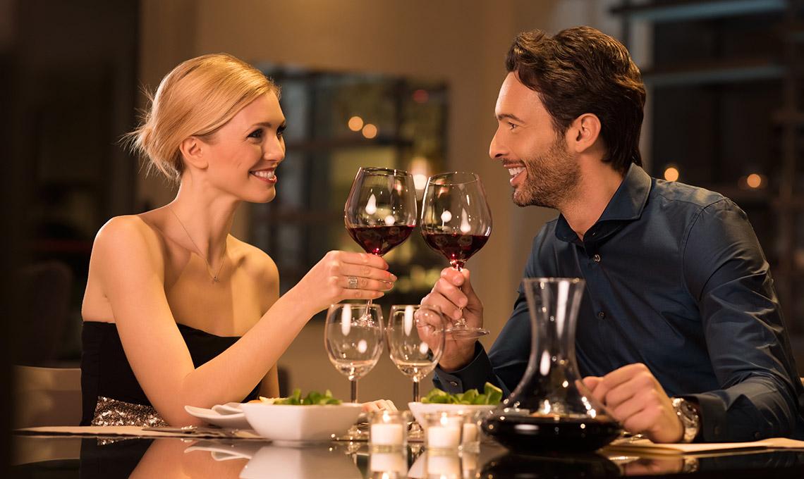 Dinner zu Zeit - das klassische Geschenk zum Valentinstag