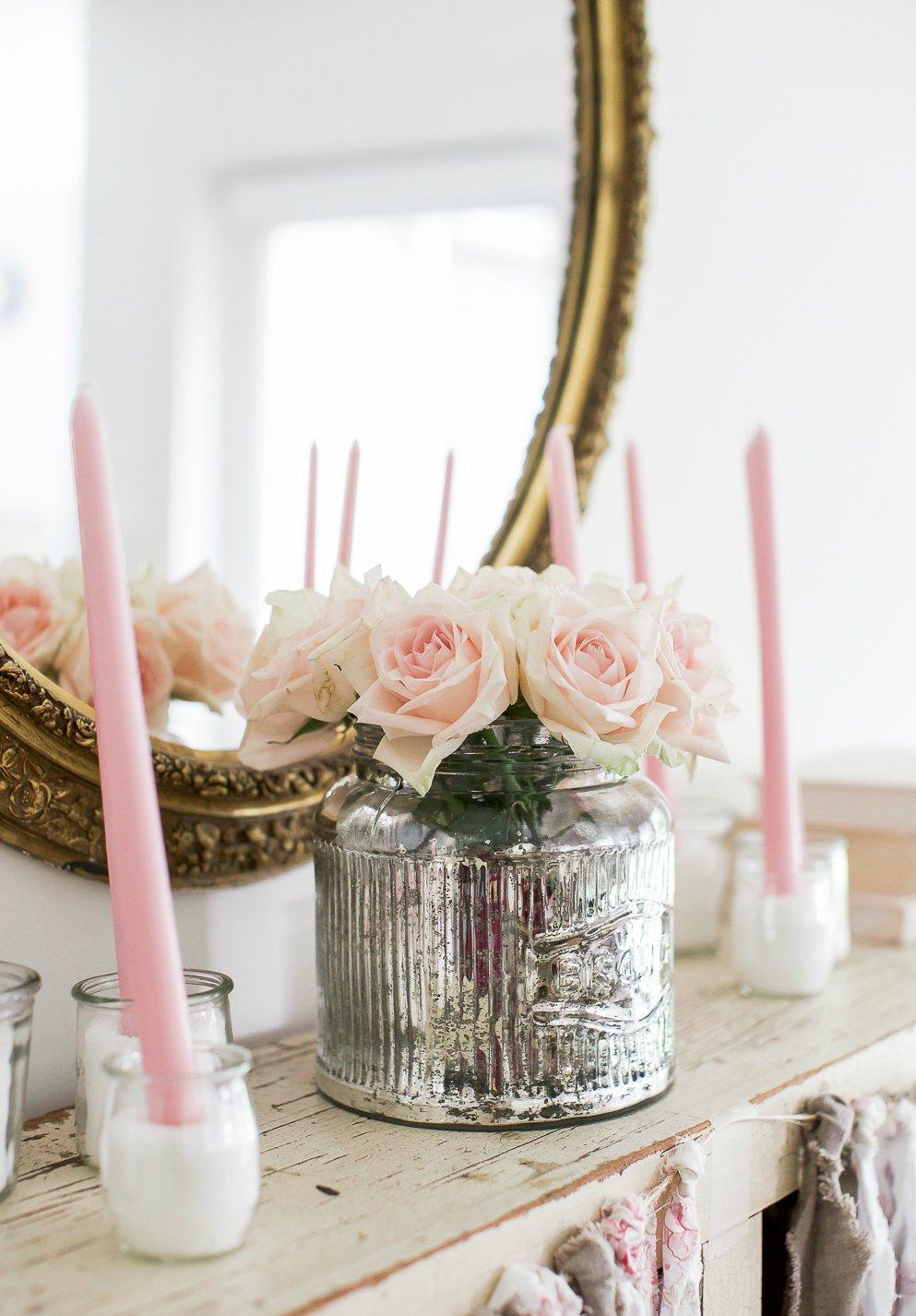 Tisch vintage dekorieren für Valentinstag