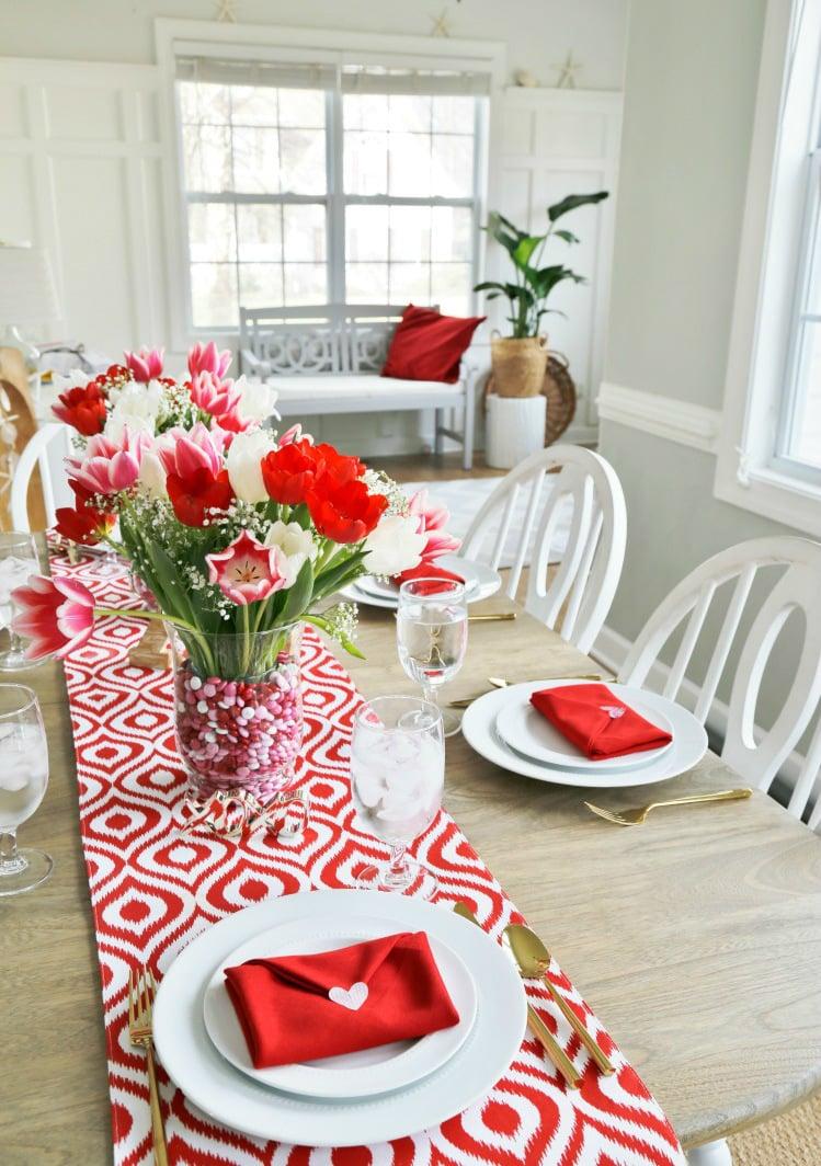 Wohnzimmer Tischdeko für Valentinstag Ideen