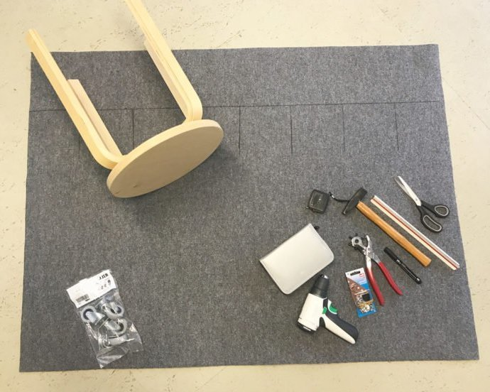 Darunter steht die Liste mit den nötigen Materialien, damit Sie einen stilvollen Wäschekorb selber bauen können.
