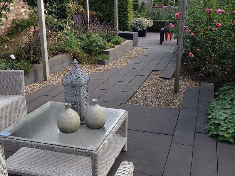 Der Kies - der beste Belag und echte Blickfang im Garten