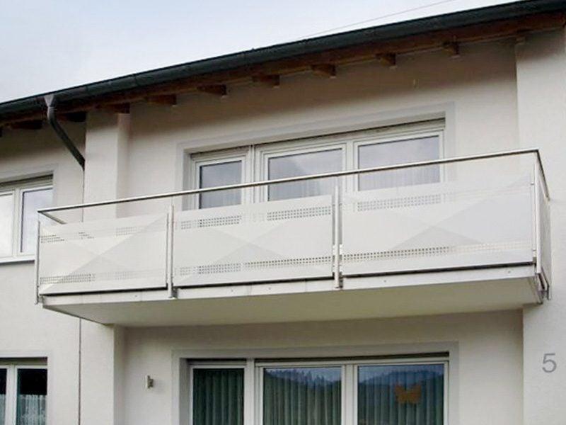 Balkonverkleidung aus Metall Sichtschutz