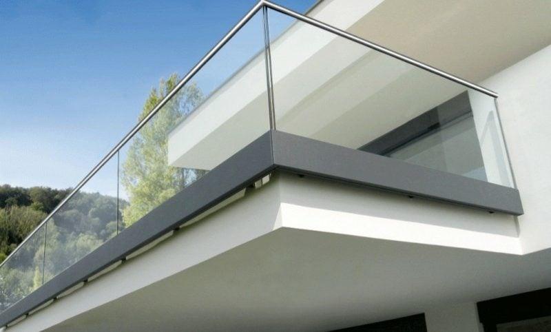 Balkonverkleidung aus Glas moderner Look