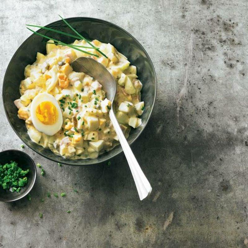 schmackhafter Eiersalat mit Schinken Rezept
