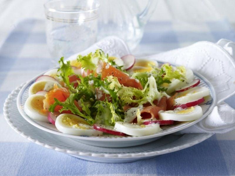 Eiersalat mit Radieschen und Kresse