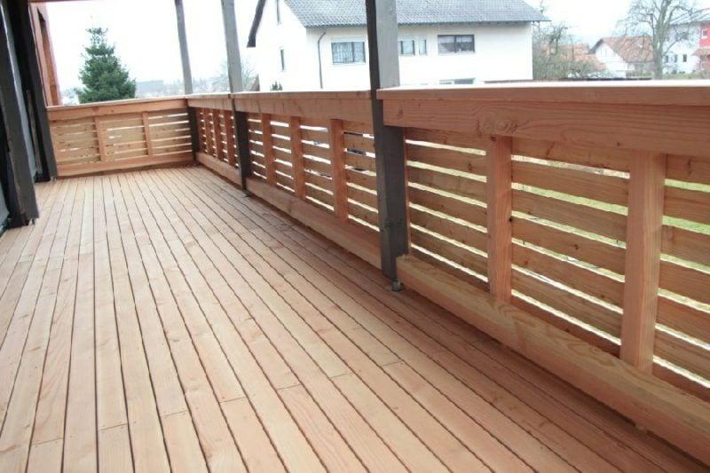 Balkonverkleidung aus Holz