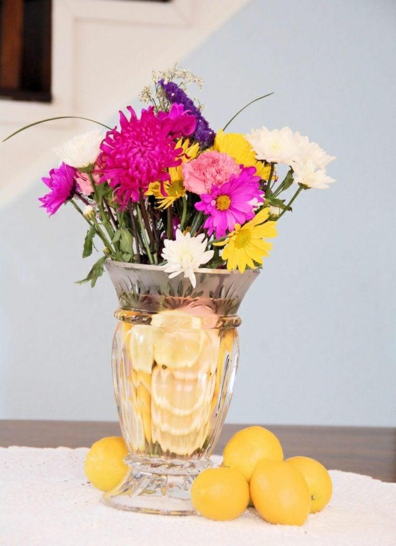 Osterndekoration selber machen Blumengestecke