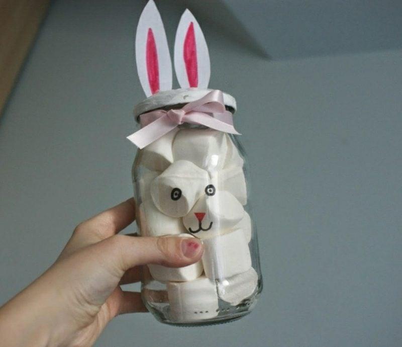 Ostergeschenke basteln Marmeladenglas mit Marshmallows