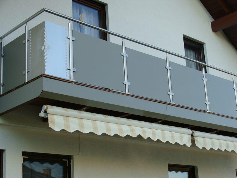Balkonverkleidung Edelstahl Platten