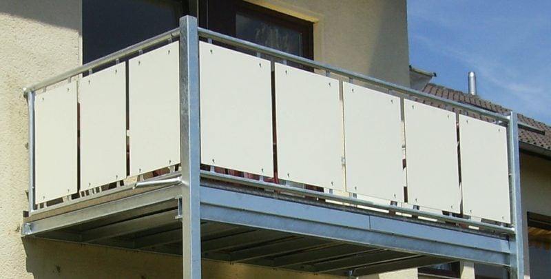 Balkonverkleidung dauerhaft stabil Metallplatten
