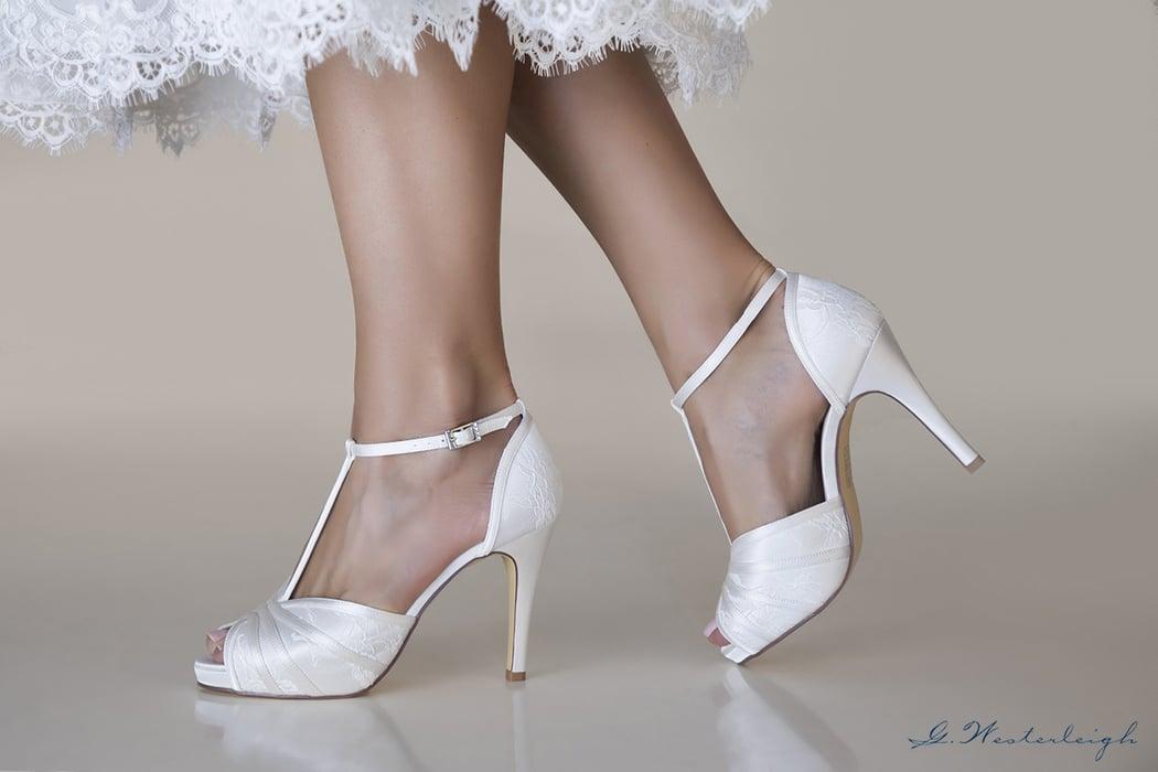 brautschuhe-mit-spitzenelementen-high-heels-elegant