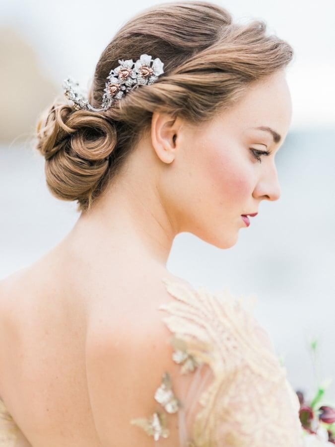Die Schönheit einer eleganten Hochsteckfrisur liegt in ihrer Schlichtheit!