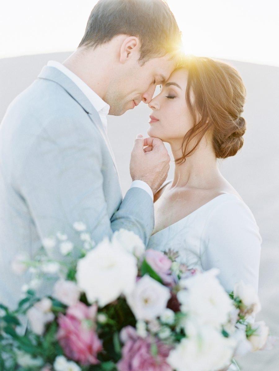 Die beste Hochsteckfrisur für eine romantische Märchen-Hochzeit