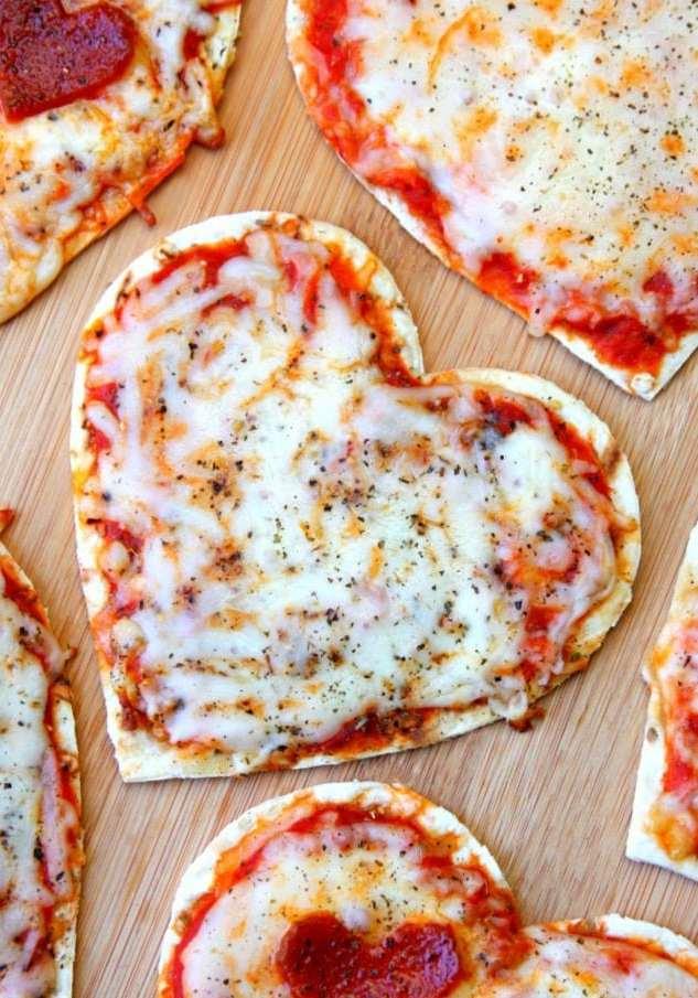Die Herz -Pizza - wie schön sie aussieht, so gut sie schmeckt!