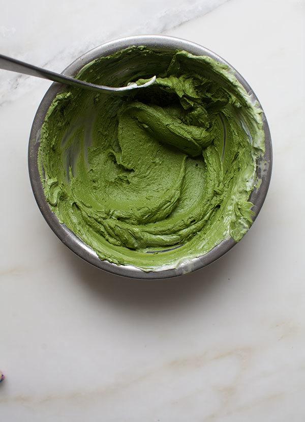 Die grüne Mischung für einige grünen Low Carb Käsekuchen Muffins