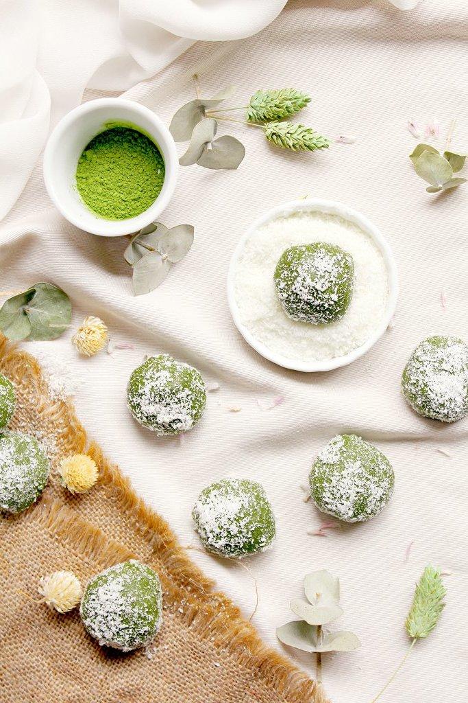 Zubereiten Sie die geschmackvollen Matcha-Balls - lecker und gesund!